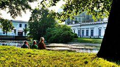 Takie rzeczy tylko w Łodzi. Letnie popołudnie przy ul. Piotrkowskiej Ul, Mansions, House Styles, City, Decor, Decoration, Manor Houses, Villas, Mansion