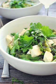 From Bev Cooks Blog...Green tofu curry with brown rice. Can't wait to try this.