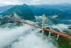 welthoechste Bruecke in China, eingeweiht Sept. 2016