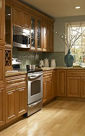 Findley & Myers Beacon Hill Red Oak Kitchen Cabinets