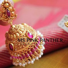 Planning to buy traditional jhumkas online? Here are 9 best places where you can find gem of jhumka designs and shop them at affordable price! Gold Jhumka Earrings, Jewelry Design Earrings, Gold Earrings Designs, Gold Jewellery Design, Antique Earrings, Jhumka Designs, Jewellery Sale, India Jewelry, Jewelry Stores