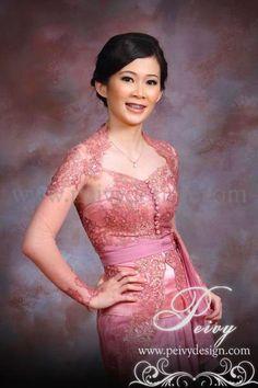 Modern Kebaya, Batik Kebaya, Engagement Dresses, Evening Dresses, Formal Dresses, Boho Pants, Traditional Dresses, Brokat, Beautiful Dresses