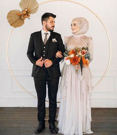 Muslimah Wedding Dress, Wedding Hijab, Wedding Dresses, Cute Muslim Couples, Muslim Girls, Indonesian Wedding, Hijab Dress Party, Wedding Couple Poses Photography, Muslim Brides