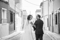 Fotógrafo de bodas. Paseo hasta la iglesia