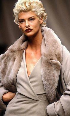 "Agatha O I lalinda-evangelista: "" Linda Evangelista Jil Sander Winter 1991 "" 90s Fashion, Fashion Models, Vintage Fashion, Vintage Glam, Vintage Ideas, Fasion, Vintage Clothing, Jil Sander, Original Supermodels"