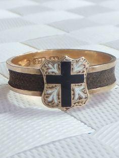 Victorian hair & enamel gold mourning ring