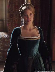 """Charity Wakefield as Mary boleyn"""" Tudor Costumes, Period Costumes, Cool Costumes, Movie Costumes, Beautiful Costumes, Beautiful Gowns, Mary Boleyn, Anne Boleyn, 16th Century Fashion"""