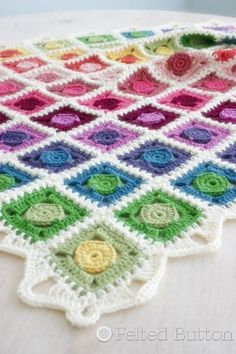 Looking for your next project? You're going to love Circle Takes the Square Blanket by designer FeltedButton.