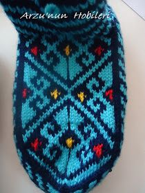 Mittens Hobby of desire: Knitted socks booties models . Knit Mittens, Knitting Socks, Free Knitting, Granny Square Blanket, Hobbies And Crafts, Sewing Patterns, Booty, Ideas, Socks