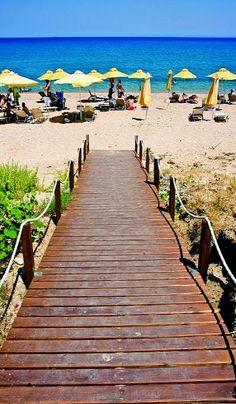 Paralia Skalas, Kefalonia Island (Ionian), Greece Places To See, Places Ive Been, Ithaca Greece, Corfu, Macedonia, Garden Bridge, Travel Style, Catwalk, Beaches