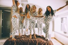 One Final Girls Night Barefoot Blonde Amber Fillerup Best Friend Pictures, Bff Pictures, Friend Photos, Cute Photos, Travel Picture, Ft Tumblr, Matching Pjs, Barefoot Blonde, Best Friends Forever