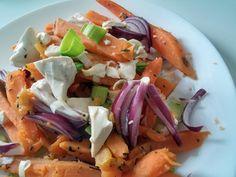 Hagymás-tofus édesburgonya - VegaLife Tofu, Carrots, Tacos, Mexican, Vegetables, Ethnic Recipes, Carrot, Vegetable Recipes, Mexicans