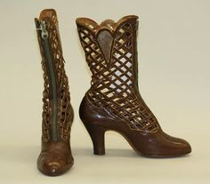 Boots,1918-1928.