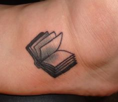 45 Charming Book Tattoo Designs Ideas For Bookworms - VIs-Wed Ankle Tattoo Small, Small Tattoos, Cool Tattoos, Ankle Tattoos, Bookish Tattoos, Literary Tattoos, Piercings, Piercing Tattoo, Open Book Tattoo