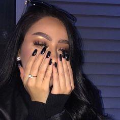 girl, nails, and makeup resmi Aycrlic Nails, Cute Nails, Pretty Nails, Hair And Nails, Glitter Nails, Beauty Nails, Beauty Makeup, Makeup Style, Eye Makeup