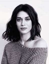 From Mean Girls to Masters of Sex, actress Lizzy Caplan's career is filled with roles women love to watch. Here, she opens up about jealousy, Michael Sheen's amazing birthday gift, and pissing off Kim Jong-Un. Michael Sheen, Mean Girls, Pin Up Girls, Holiday Hairstyles, Portrait Poses, Girl Crushes, Role Models, Beautiful People, Celebrity Style