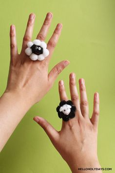 DIY jewelry for kids! Sheep shaped cocktail rings for Eid al Adha by Hello Holy Days! Cool Gifts For Kids, Diy For Kids, Crafts For Kids, Diy Eid Gifts, Xmas Gifts, Eid Crafts, Eid Party, Eid Al Adha, Kindergarten Crafts