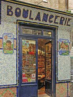 Yiddish Patisserie | Rue des Rosiers, Marais, Paris