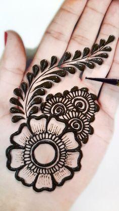 Very Simple Mehndi Designs, Mehndi Designs Front Hand, Mehndi Designs For Kids, Mehandi Designs Easy, Floral Henna Designs, Latest Henna Designs, Henna Tattoo Designs Simple, Mehndi Designs Feet, Mehndi Designs For Beginners