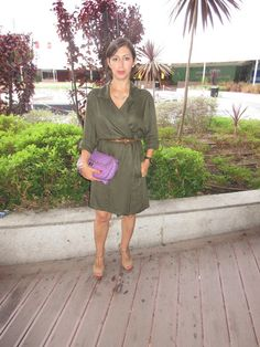 O meu Plano B: Look do dia: Trench coat verde azeitona e mala rox...