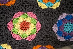Kaleidoscope hexagon blanket, free pattern by Katherine Eng