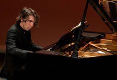 alexandre kantorow - Αναζήτηση Google Piano, Music Instruments, Google, Musical Instruments, Pianos