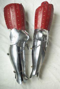 Zbrojnikowe osłony nóg wzorowane na nagrobkach niemieckich rycerzy: Beringera von Berlichinge 1377 oraz Voita von Rieneck 1379/Composite leg harness based on german knights effigies: Beringer von Berlichinge 1377 and Voit von Rieneck 1379
