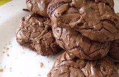 Voici une recette de cookies très gourmands:les Outrageous Cookies. Avec eux tu vas te faire des amis, oh oui tellement d'amis car ils sont : parfaits.