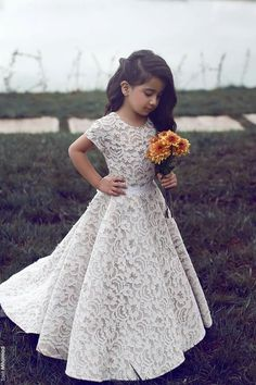 Full lace dress ideal for a mini bride