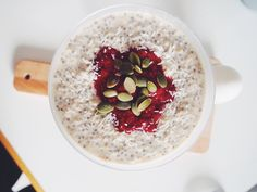 Andrea Clausen: Chia and oatmeal porridge