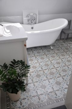 Typ: płytki podłogowe, cementoweWymiary: cm to 25 płytek)Grubość: Floor Design, Tile Design, House Design, Room Interior, Interior Design Living Room, Bath Tiles, Marble Tiles, Bathroom Renos, Dream Bathrooms