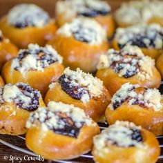 Spicy Crumbs - Strana 8 z 46 - Recepty Doughnut, Cooking Tips, Sushi, Spicy, Muffin, Food And Drink, Sweets, Baking, Breakfast