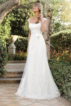 https://flic.kr/p/BfKjuD | Trouwjurken | Trouwjurken vintage, Moderne Trouwjurken, Korte trouwjurken, Avondjurken, Wedding Dress, Wedding Dresses | www.popo-shoes.nl