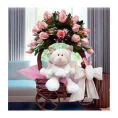 Carrosa rustica con 15 rosas rosadas importadas y flores variadas con peluche.