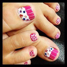 Cupcake toes !! <3