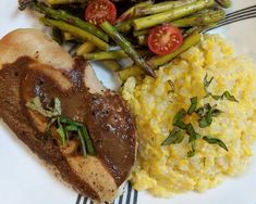"""Our Ambassador Cara is celebrating summer meal vibes with our Miracle Rice! She made her ownlow carbversion of polenta with it!""""Take advantage of seasonalproduce with this super easy side dish!"""" --- @foodrunfoodie on InstagramFresh Corn Polenta with Miracle Rice (Served with balsamic chicken and asparagus)INGREDIENTS: 132 calories (30C/2.5F/4P) for 1/5 recipe5 ears of corn1 cup unsweetened almond milk1 cup water2 packages ofMiracle Noodle Rice1/2 tbsp butterSalt and pepperOptional: fr Miracle Rice, Miracle Noodles, 5 Recipe, Balsamic Chicken, In Season Produce, Asparagus Recipe, Side Dishes Easy, Polenta, Summer Recipes"""