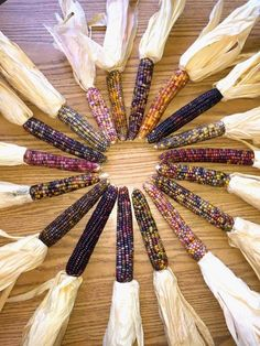This Normal-Looking Corn Is Shocking People With Its Colorful Secret Glass Gem Corn, Popcorn Seeds, Corn Maize, Fall Food, Display Ideas, Fall Recipes, Fall Decor, Native American, Thanksgiving