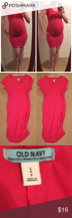 Old navy hot pink maternity bodycon dress Old navy maternity pink dress. Size small. In excellent condition! Please no lowball offers thank you! ❤️ Old Navy Dresses