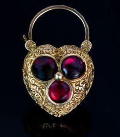 Antique Heart Shaped Padlock Pendant Locket - Cabochon Cut Garnet and Gold - Victorian Jewelry