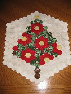 Christmas quilt blocks | Hexagon Christmas Tree Quilt Block | Flickr - Photo Sharing!