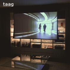 Transforme seu living em uma sala de cinema. Você só precisa de um bom projeto e  tecnologia.