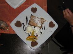 Avslutter med en deilig dessert :) Plastic Cutting Board, God, Cake, Desserts, Pie Cake, Tailgate Desserts, Dios, Pastel, Dessert