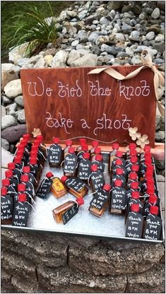 Future Wedding 91 outdoor wedding ideas that will make your wedding wonderful page 46 Wedding Ceremony Ideas, Cute Wedding Ideas, Wedding Goals, Diy Wedding, Wedding Planning, Dream Wedding, Outdoor Wedding Favors, Wedding Decor On A Budget, Elegant Wedding