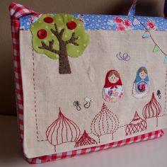 Roxy Creations: Babushka messenger bag