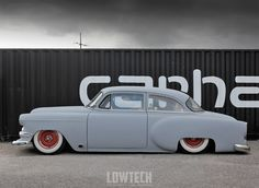 the smoke of W.A.R - LOWTECH :: Traditional hot rods and customs.