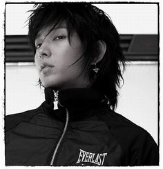 Lee Jun Ki toes the line between drop-dead-gorgeous and fierce so well...