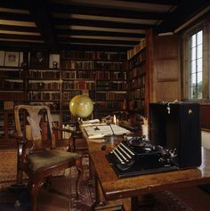 Rudyard Kipling's #writing table in the Study at the 17th century house of Bateman's in Sussex, England. Kipling lived at Bateman's from 1902-1936. Love the typewriter!