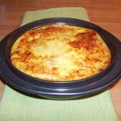 """Quiche sans pate au thon (5 PP) Pour 2 personnes :   5 ProPoints (ou 3 Points avec l'ancien programme """"flexipoints"""")   20 gr de farine 10 cl de lait 1/2 écrémé 1 œuf 50 gr de thon au naturel 1/2 boîte de champignons émincés 2 cuillères à café de fromage râpé Sel poivre"""