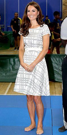 KATE MIDDLETON photo | Kate Middleton- Where are her shoes?