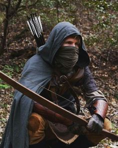 Male ranger LRP / RPG costume inspiration Archer character Probably totally anachronistic, but outlaws Fantasy Inspiration, Story Inspiration, Writing Inspiration, Character Inspiration, Armadura Medieval, Character Concept, Character Art, Character Design, Story Characters
